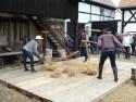 Konkurs młócenia cepami w gminie partnerskiej Markersdorf